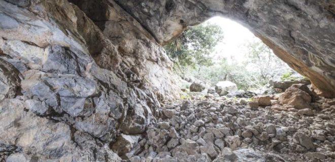 Σάρχος – Σπήλαιο Χώνος